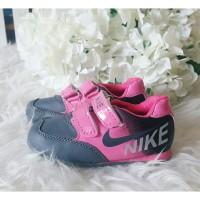 Sepatu Anak Nike Pink