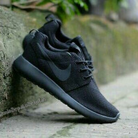 Sepatu Sekolah Nike Rosherun All Full Black Hitam Man Women