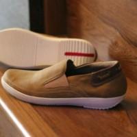 promo akhir tahun murah meriah sepatu casual kickers slipon