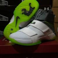 Sepatu Basket Nike Lebron Zoom Soldier 10 Dunkman
