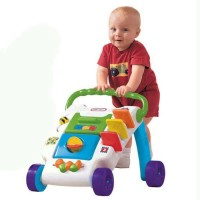 Mainan belajar jalan Little tikes Wide Tracker Activity Walker