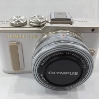 OLYMPUS PEN E-PL8 Kit 14-42mm EZ - Kamera Mirrorless