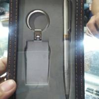 gantungan kunci gunting kuku dan pulpen souvenir costum set 2in1