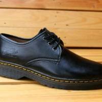Sepatu semi Boot Pria Sepatu Lapangan Dr. Martens Docmart low Black