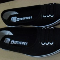 Sepatu Cewek Converse