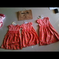 sale dress anak warna orange import mewah