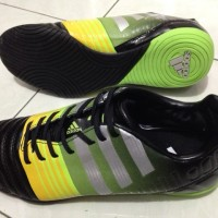Sepatu Futsal Adidas Nitrocharge 3.0 - Black