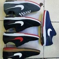 sepatu#pria#wanita#kets#sport#nike#adidas#vans#new balance#converse