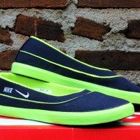 Nike Flat Hitam HIjau (sepatu wanita,sepatu kets,slip on,casual)