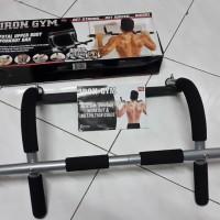 Alat Olahraga Untuk Badan Sixpack Iron Gym Pull Up Bar Murah