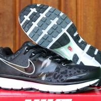 sepatu running/olahraga/lari/jogging/fitnes Nike Accelerate Hitam