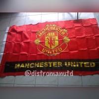 bendera satin manchester united