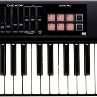 Keyboard Synthesizer Roland XPS 10 / XPS10 / XPS-10