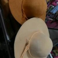 Topi Pantai Floppy Hat Fashionable