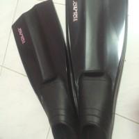 Sepatu Katak merk tokyo warna hitam