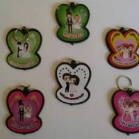 souvenir pernikahan gantungan kunci murah