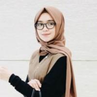 cantik hijab menggunakan kacamata
