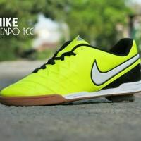 Sepatu Futsal Nike Tiempo ACC Grade ORI / Kuning Stabillo Stip Putih