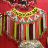 TERATAI, asesoris pakaian adat suku Dayak Kalimantan