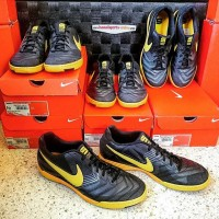 ORIGINAL!! Sepatu Futsal Nike Lunar Gato IC Black/Yellow #415124-077