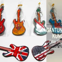 Souvenir Gantungan Kunci Gitar Plastik