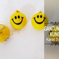 Souvenir Gantungan Kunci Karet Smile