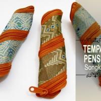 Souvenir Tempat Pensil Songket