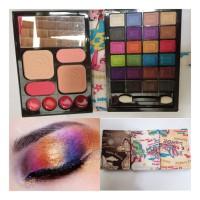 Eyeshadow Pallete Besar (24 Warna, 4 Lipstick, 2 Blush On, 2 Bedak)