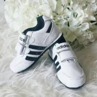 Sepatu Anak Adidas White