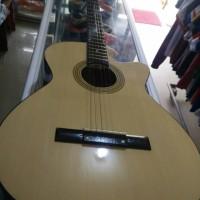 gitar akustik mahogani