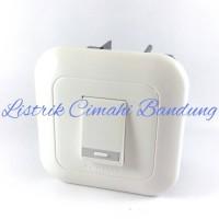 Panasonic Saklar Tunggal / Engkel WEJ 5531 + Frame WEJ 78019W