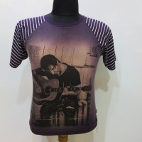 Kaos Tshirt Pria Main gitar Ungu