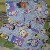 piyama Doraemon ukuran L untuk 4 - 5 tahun