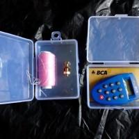 kotak box plastik serba guna kartu nama ATM, klik BCA Mandiri, benang