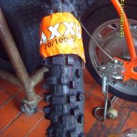 BAN LUAR MOTOR CROSS / TRAIL Ukuran 70/100-17 merk MAXXIS M-7304