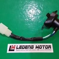 Soket Fiting Lampu Depan Grand Supra Universal Motor Honda H6 Kaki-1