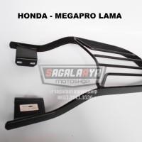 Bracket Box Motor Monorack Honda Megapro Lama