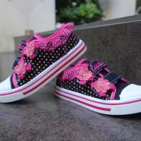 Sepatu anak Perempuan TK dan SD sepatu anak slip on Kipper Tipe Kp 102