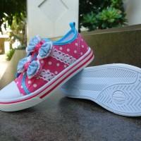 sepatu anak perempuan TK dan SD merk KP tipe 100 ukuran 31 sampai 35