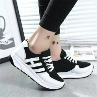 Sepatu Wanita Kets Casual Strip SDS140