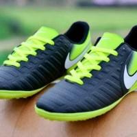 sepatu futsal / sepatu olahraga / sepatu nike