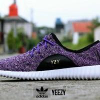 Sepatu Adidas Yeezy Sneakers Casual Ungu