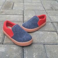 Sepatu Anak Laki-Laki Cowok Slip On Abu Merah Trendy Casual by SHUKU