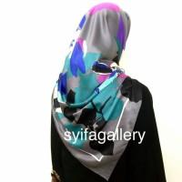 Jilbab Segi Empat Satin Motif Abstrak.