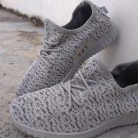 Sepatu Adidas Yeezy Sneakers Casual Full Abu