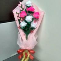 Buket bunga mawar flanel / buket wisuda / hand bouquet