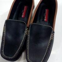 Sepatu Semi Formal Pria