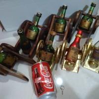 Pajangan Antik Miniature Botol Wiski dan Kaleng Coca Cola th 98