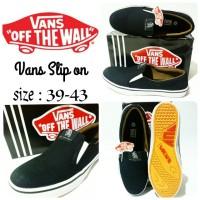 sepatu vans full black sepatu vans cowok Slip on terbaru dan termurah