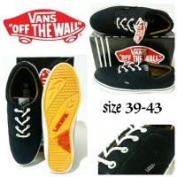 sepatu vans full black sepatu vans cowok terbaru dan termurah